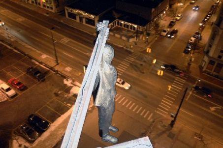 Sigmund Freud sublimează suicidul în artă