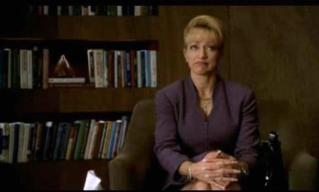 Psihanaliză cu naşul (XII): Carmela, prima şedinţă singură cu dr. Melfi