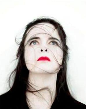 """Şedinţa AIPsA a lunii noiembrie: """"Biografia foamei"""" - anorexie vindecată printr-o bulimie a scrisului"""
