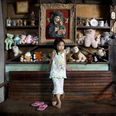 Povestea jucăriilor spusă de un fotograf: Allenah - El Nido, Philippines (8)