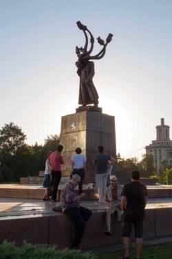 """""""Hidra"""" lui Costin Ioniţă din Piaţa Presei Libere"""