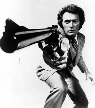 Clint Eastwood si scaunul