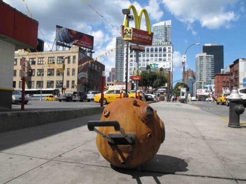 """""""Recycling Historia"""" by Hector Dionicio Mendoza interaction with Dumitru Gorzo"""