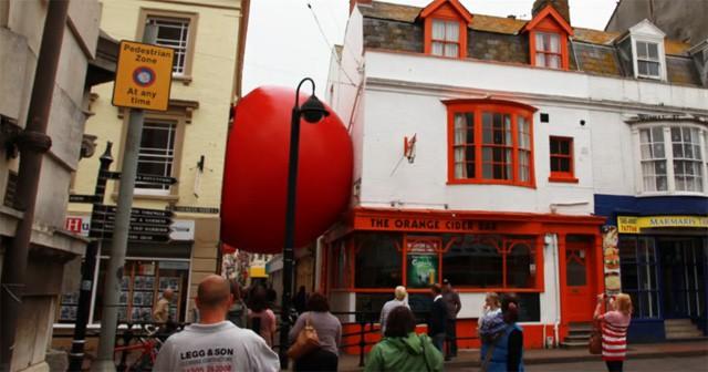 Kurt Perschke's RedBall UK
