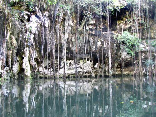 cenote yucatan fetisismul marfii neoliberalism