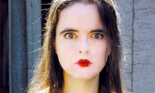 Suprafoame, anorexie şi bulimia scrisului la Amélie Nothomb