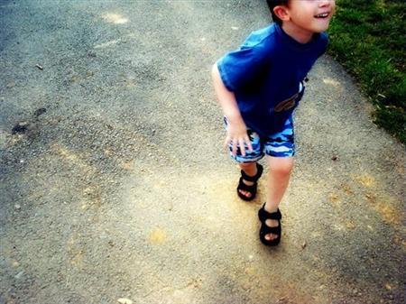 Copiii cu autism sunt lăsaţi fără psihoterapie