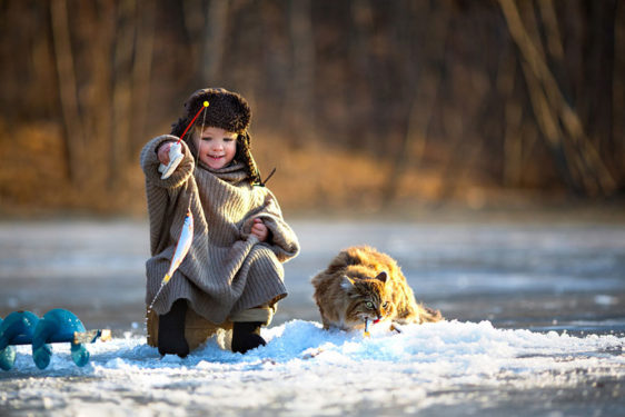 Copii la joaca in diverse colturi ale lumii