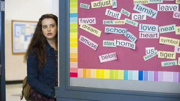 """""""Cele 13 motive"""" sau despre glamourizarea suicidului la adolescenti"""