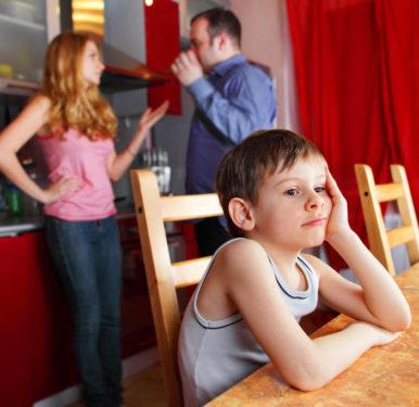 Poate o copilarie dificila sa ne faca mai inteligenti?