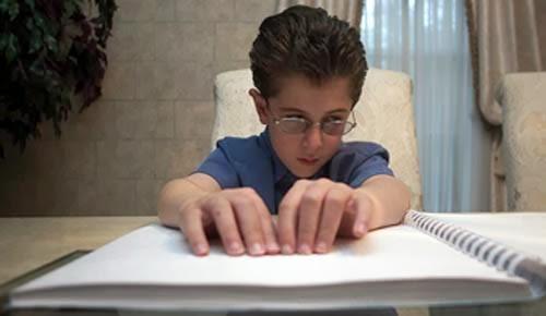 13 noiembrie - Ziua Internationala a Educatiei Copiilor Nevazatori