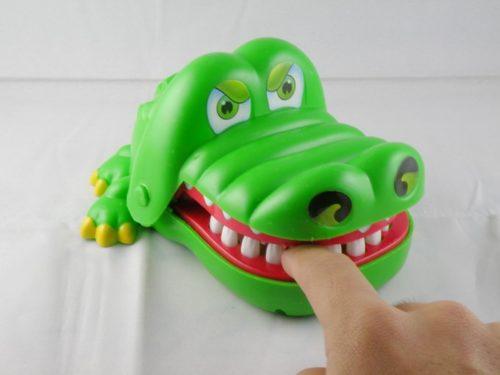 Parinti pradatori sau crocodili zambitori?
