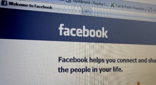 Mai degrabă ne amintim un status de pe Facebook decât o replică dintr-o carte