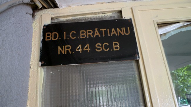 Vernisajul Scării de Bloc B din I. C. Brătianu 44, Bucureşti